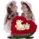 Две куклы с сердцем из роз