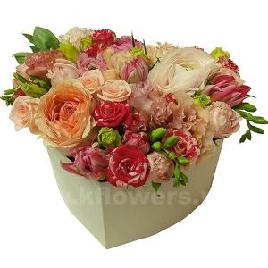 Композиция цветов сердце 29