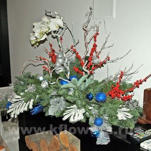 Композиция цветов новогодняя 49