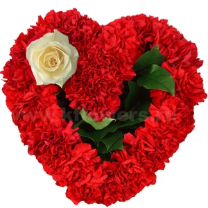 Композиция цветов сердце 30