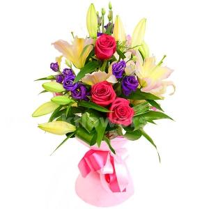 Букет цветов каскадный 12