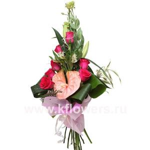 Букет цветов каскадный 19