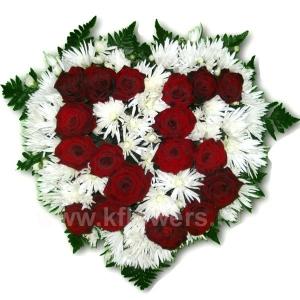 Композиция цветов сердце 13