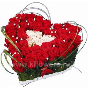 Цветы в корзинке или в виде сердца дце на заказ плетистые розы для северо-запада купить