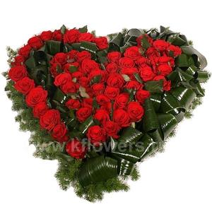 Композиция цветов сердце 18