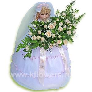 Кукла (50см) с букетом