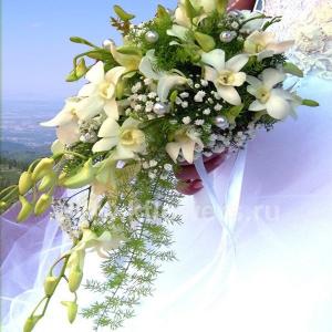 Букет невесты каскадный 11