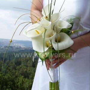 Букет невесты каскадный 13