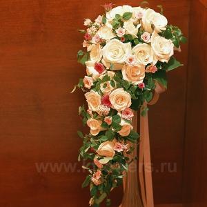 Букет невесты каскадный 16