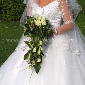 Букет невесты каскадный 37