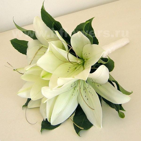 Свадебный букет из лилий. фото