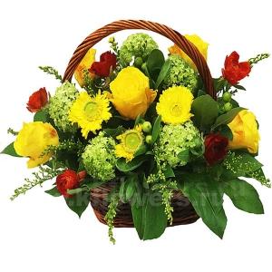 Корзина цветов 35