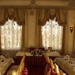 Оформление зала для свадьбы в презентабельном ресторане Дюшес