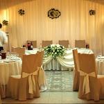 Оформление ресторана Измайловский двор цветами и тканями