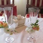 Демократичное флористическое сопровождение свадебного торжества в ресторане Оазис, г. Щелково