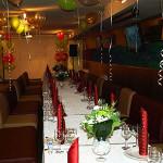 Оформление юбилейного банкета в ресторане Дюшес цветами и шарами