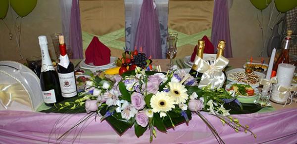 Оформление зала на свадьбу в ресторане Вишневый сад