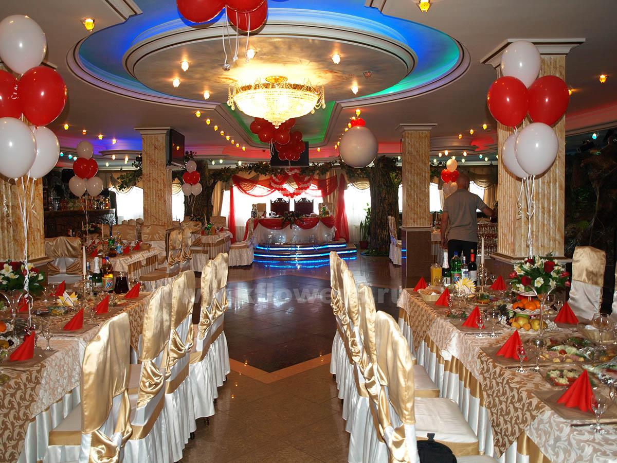 Оформление банкетного зала ресторана Каспий от фирмы Королевский Цветок