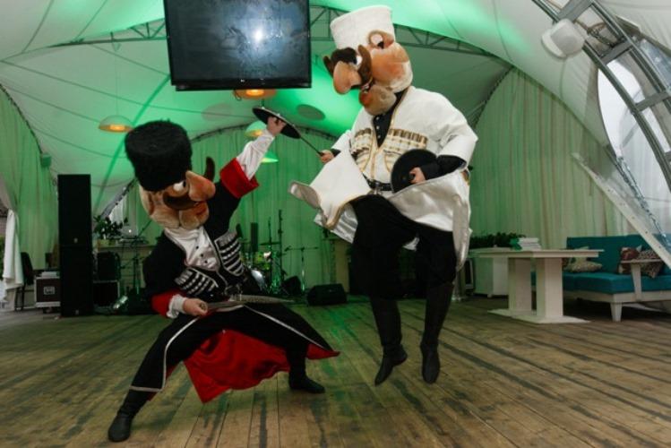 Ростовые куклы на свадьбу - чудесное развлечение для гостей