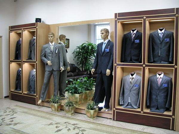 Изобильный выбор мужских костюмов на любой вкус и кошелек