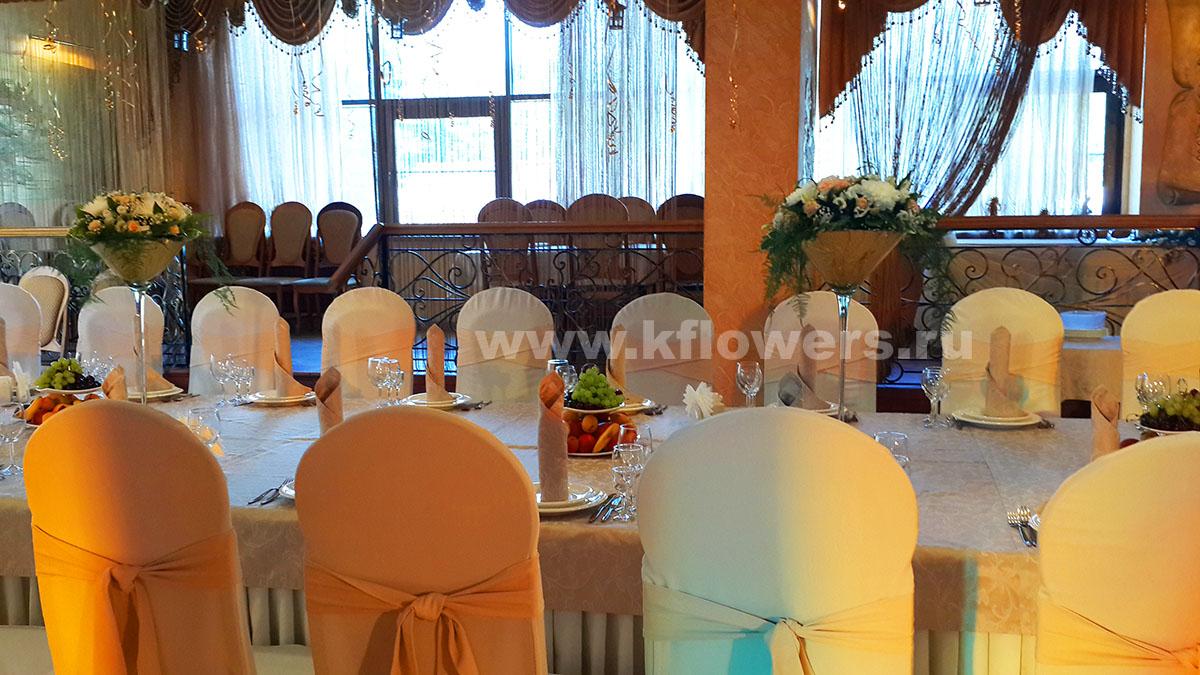 Праздничный дизайн банкетного зала в ресторане Бульвар, созданный для дня рождения