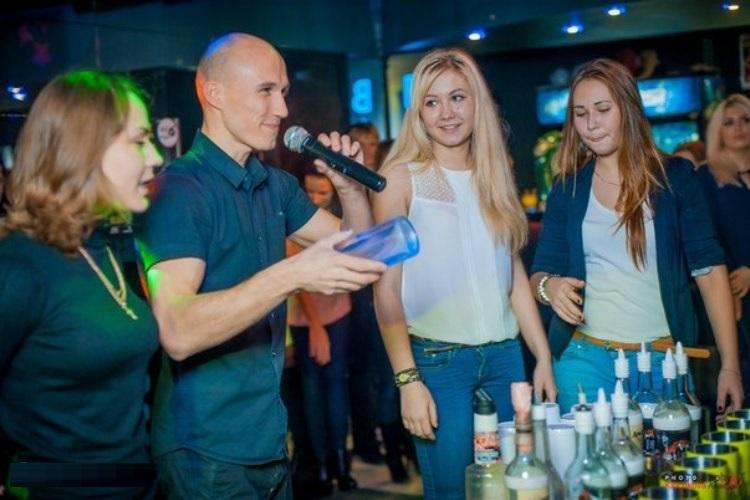 Пригласите бармена на свадьбу - вокруг бара соберутся все гости
