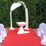 «Белые начинают и выигрывают»  — свадебный декоративный этюд в белой тональности