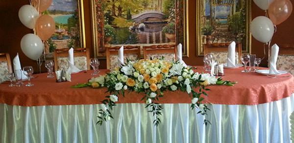Оформление свадебного зала цветами для флориста из нашей компании Королевский Цветок