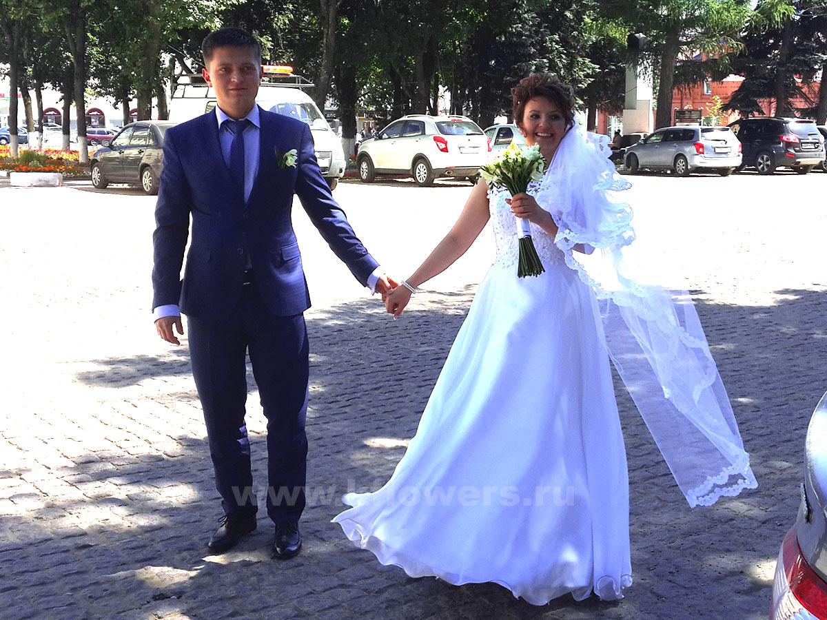 Оформление свадьбы цветами и букет невесты для флориста фирмы Королевский Цветок