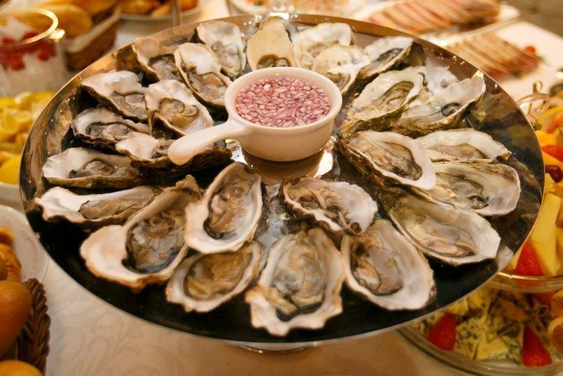 В ресторане Боккаччо изобильный выбор средиземноморских блюд