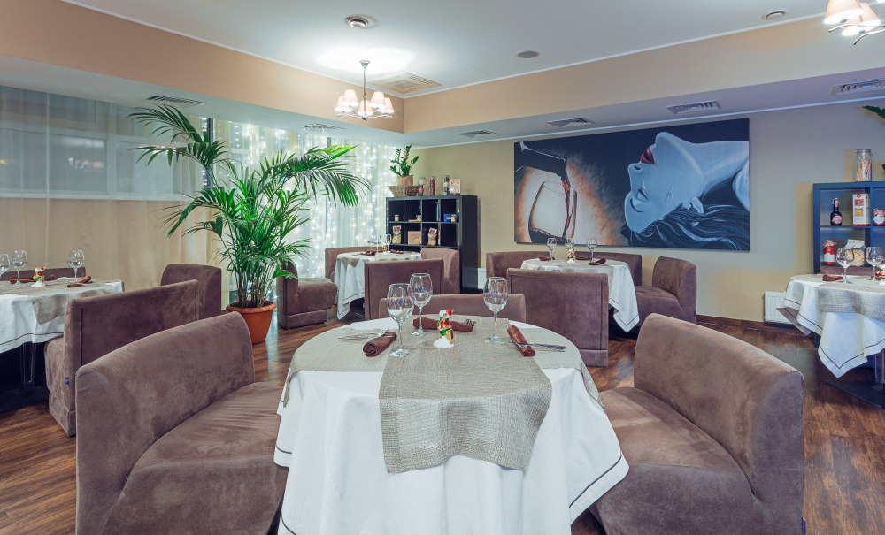 Ресторан «Food Is Love» предлагает основной и VIP банкетные залы
