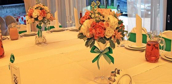 Мятная свадьба с розовыми переливами в загородном клубе Персона Грата