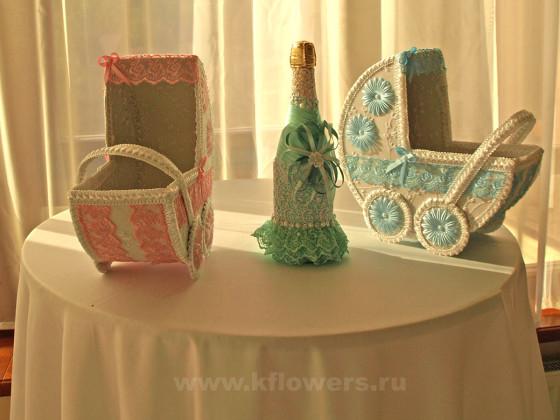 Очаровательное украшения стола для подарков - изящные ларцы в форме детских колясок