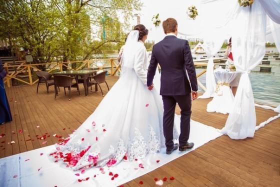 Арт Виват осуществляет полное сопровождение выездных церемоний регистрации брака