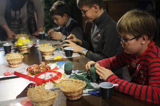 Дети с удовольствием изучали секреты и правила искусства флористики