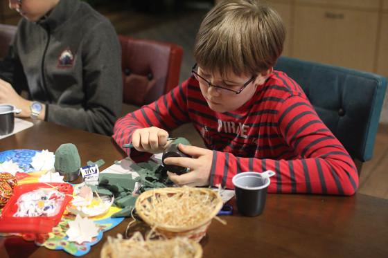 Лучший способ обучения - практическое занятие по изготовлению игрушки