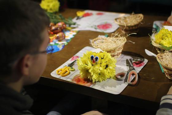 Цыплята у подрастающих флористов вышли позитивные и замечательные