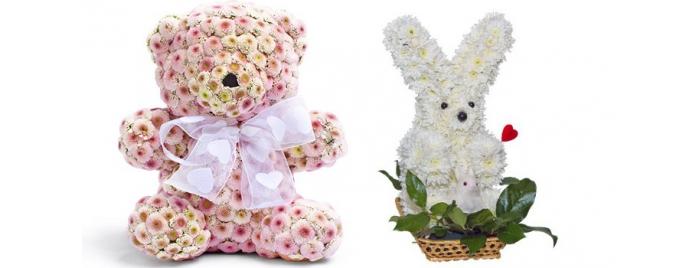 Букет в виде игрушки из живых цветов